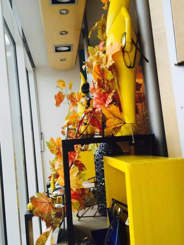 Herbst Mit Gartenzwerg und Kürbis