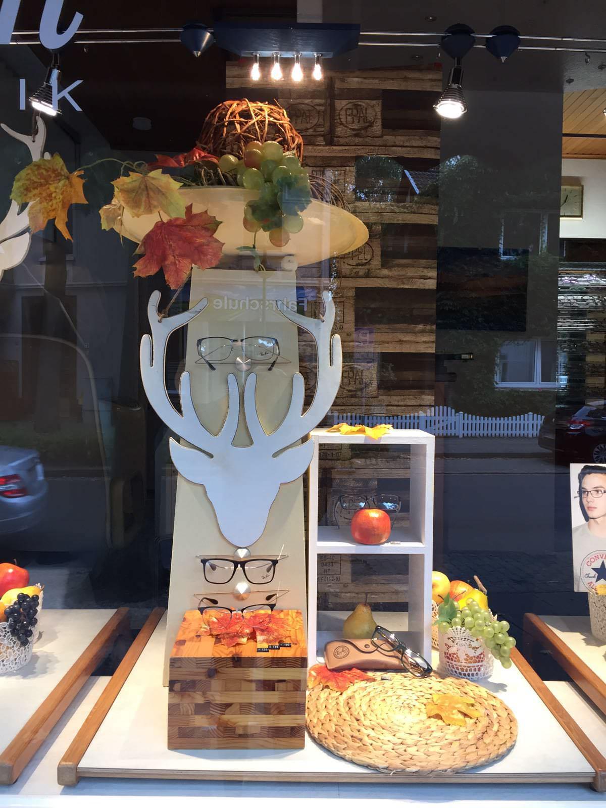 Herbstdekoration Augenoptik Jensen