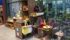 Bunte Frühlingsdeko im Eingangbereich ... fertig :-)